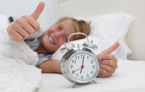 bambino-sveglia-presto