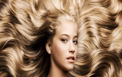 ragazza-capelli-biondi-1041x496