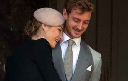 MONACO - NOVEMBER 19:  Beatrice Borromeo, Pierre Casiraghi and Princes Stephanie appear at the balcony of Monaco Palace for Monaco National Day on November 19, 2015 in Monaco, Monaco.  (Photo by Thierry Orban/Getty Images)