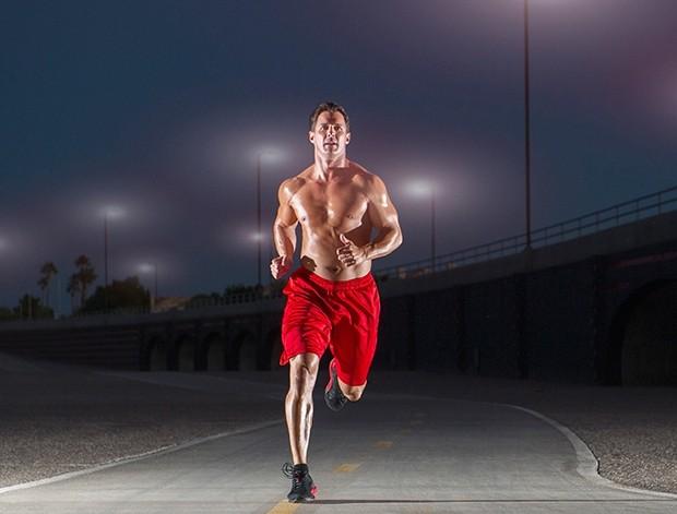 Correre a torso nudo: è sempre possibile?