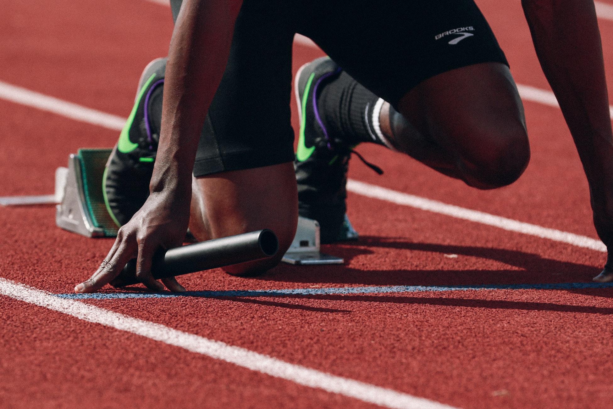 Migliorare la velocità in pista: gli allenamenti per i runners meno esperti