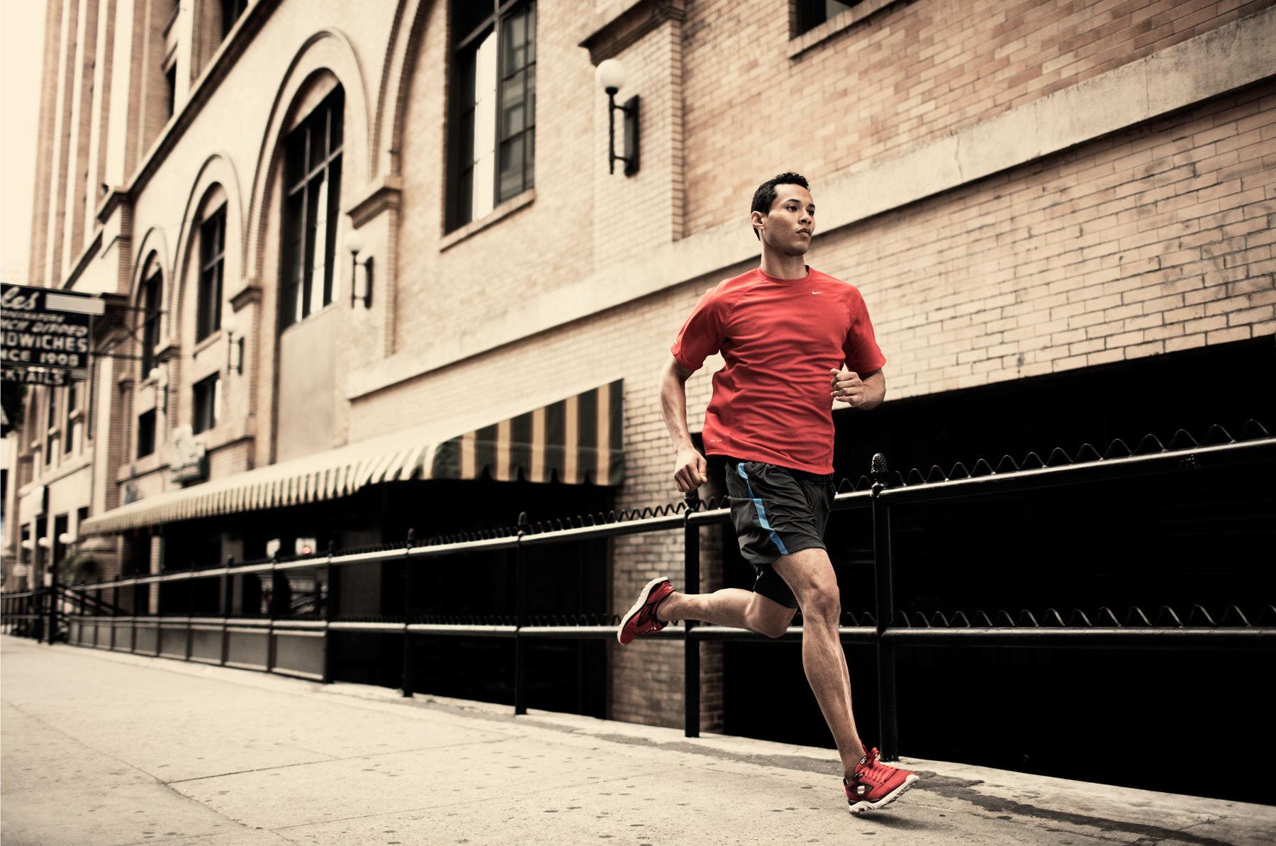 Cinque buone abitudini che aiutano chi inizia a correre