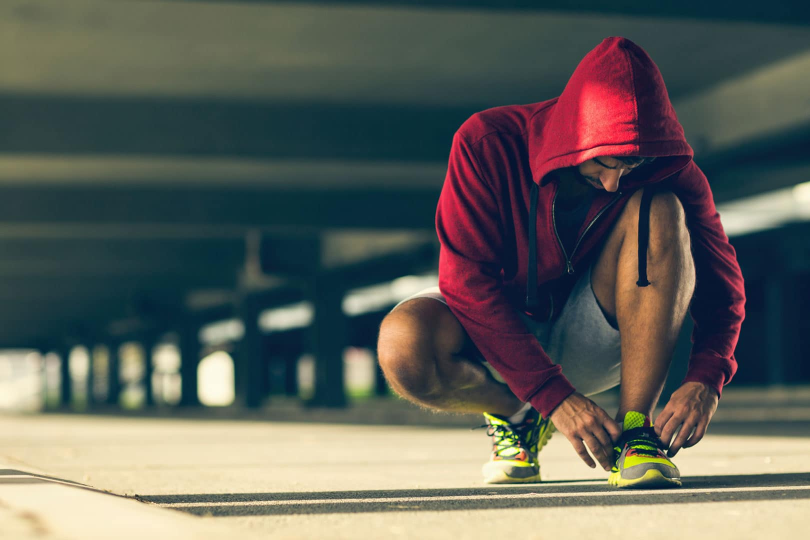 Le persone che amano correre conoscono le tre grandi categorie di corridori: il runner amatore, quello agonista e il jogger. Non sai a qualche categoria appartieni? Scoprilo leggendo questa guida.