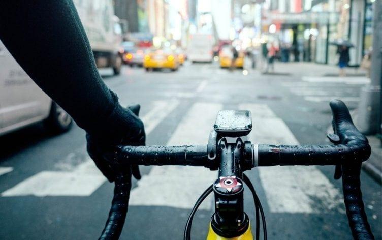 allenarsi-in-bici-con-la-pioggia